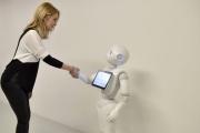 Роботът Пепър посреща болни в две белгийски болници