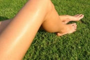Лятото обича красивите крака