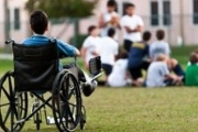 Омбудсманът иска асистент за всяко дете с увреждане