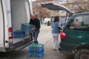 """Млечни продукти на възрастни хора дари сдружение """"България си ти"""""""