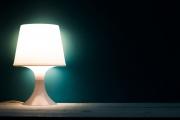 Защо не бива в никакъв случай да спим на нощна лампа