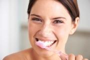 Честото миене на зъби намалява риска от сърдечни заболявания