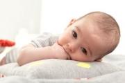 Специалисти съветват: Не учете бебето твърде отрано