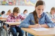 Получаването на социални помощи се обвързва с посещението на детска градина или училище