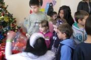 Коледно парти зарадва деца с увреждания в Раднево