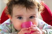 Кога да запознаем бебето с чашата